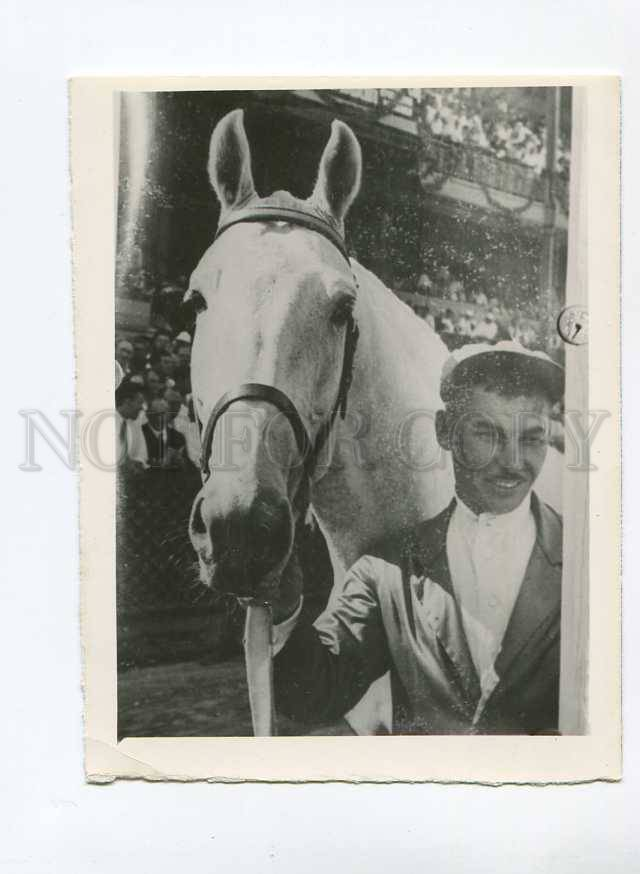3022989-RUSSIA-HORSE-Racing-Champion-Vintage-Photo